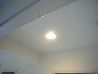 廊下のセンサー照明